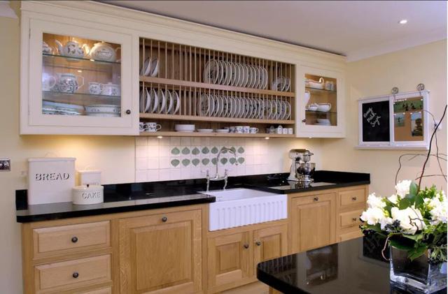 Những tủ bếp đơn giản nhưng khiến không gian bếp đẹp và sang đến không ngờ - Ảnh 5.